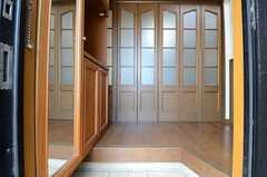 正面玄関から見た内部の様子。(2015-04-03,周辺環境,ENTRANCE,1F)