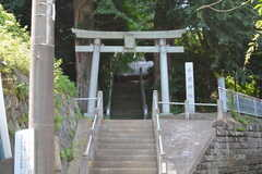 近くには神社があります。(2020-06-26,共用部,ENVIRONMENT,1F)