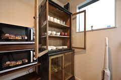 食器棚の様子。(2016-10-12,共用部,KITCHEN,2F)