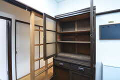 冷蔵庫の対面は、専有部ごとの収納スペースです。(2016-10-25,共用部,KITCHEN,1F)