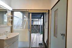 脱衣室側から見たテラスの様子。(2019-01-21,共用部,BATH,1F)