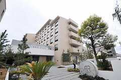 シェアハウスの外観。と同時に、HOTEL ANTEROOMの外観でもあります。(2011-04-09,共用部,OUTLOOK,1F)
