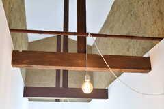 梁と照明の様子。(2017-07-19,共用部,OTHER,2F)