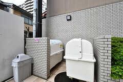 ゴミはマンションのゴミステーションに捨てることができます。(2017-09-12,共用部,OTHER,1F)