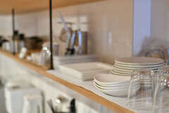 食器棚の様子。(2017-03-07,共用部,KITCHEN,2F)