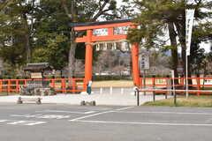 シェアハウス周辺の上賀茂神社の様子。(2017-03-29,共用部,ENVIRONMENT,1F)