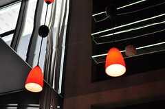 天井はミラー張りです。(2012-05-07,共用部,LIVINGROOM,2F)
