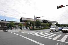 JR山陰本線・花園駅前の様子。(2011-10-01,共用部,ENVIRONMENT,1F)