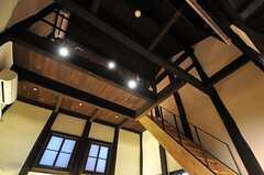 階段を上るとロフト部分に上がれます。 (2014-04-08,共用部,LIVINGROOM,1F)