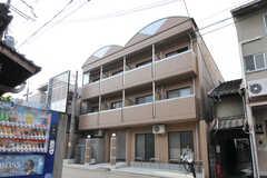 シェアハウスの外観。1棟まるごとシェアハウスです  (2011-12-21,共用部,OUTLOOK,1F)
