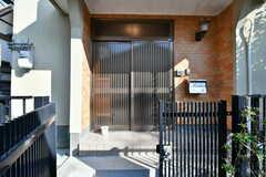 シェアハウスの玄関。(2017-02-16,周辺環境,ENTRANCE,1F)