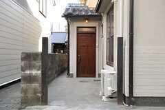 正面玄関の様子。(2014-02-06,周辺環境,ENTRANCE,1F)