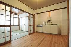 専有部の様子。キッチンが設置されています。(101号室)(2014-02-06,専有部,ROOM,1F)
