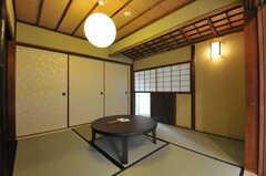 茶室の様子3。夏場は襖を簾戸に取り替えられます。(2013-08-02,共用部,LIVINGROOM,1F)