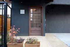 正面玄関の様子。(2014-12-10,周辺環境,ENTRANCE,1F)