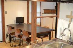 キッチンから見たリビングの様子。(2014-12-10,共用部,LIVINGROOM,1F)