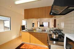 シェアハウスのキッチンの様子。(2010-12-26,共用部,KITCHEN,2F)