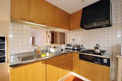 シェアハウスのキッチンの様子2。(2010-12-26,共用部,KITCHEN,2F)