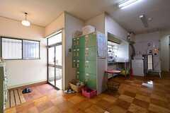 玄関脇にはドミトリー専用のロッカーがあります。(2015-07-01,周辺環境,ENTRANCE,1F)
