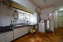 玄関脇にはセカンドキッチンがあります。(2015-07-01,共用部,KITCHEN,1F)