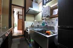 キッチンの様子2。(2013-06-23,共用部,KITCHEN,1F)