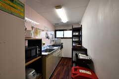 各フロアにキッチンが備わっています。(2017-01-17,共用部,KITCHEN,2F)