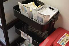 使い終わったフキンは指定の場所へ入れておくと管理人さんが洗濯してくれます。(2017-01-17,共用部,KITCHEN,2F)