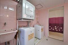 洗濯機と乾燥機の様子。(2017-01-17,共用部,LAUNDRY,2F)