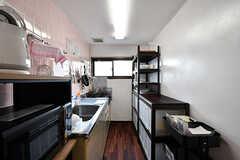 キッチンの様子。間取りは2階とおおよそ同じです。(2017-01-17,共用部,KITCHEN,3F)