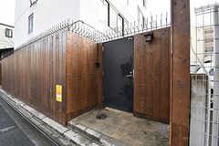 自転車置き場の入り口。(2017-01-17,共用部,GARAGE,1F)