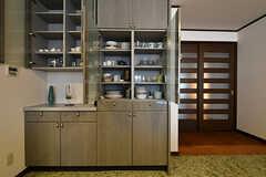 食器棚の様子。(2016-10-12,共用部,LIVINGROOM,1F)