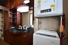 洗濯機と乾燥機の様子。(2016-10-12,共用部,LAUNDRY,1F)