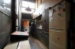 事業者さんの事務所には開放的なキッチンがあります。(2012-03-26,共用部,OTHER,1F)