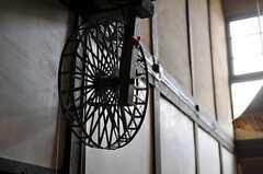 糸を紡ぐための車輪。(2012-03-26,共用部,OTHER,1F)