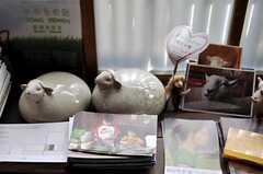 事業者さんは羊毛屋さん。いたるところにヒツジがいます。(2012-03-26,共用部,OTHER,1F)