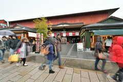 京福電鉄嵐山本線・嵐山駅前の様子。(2017-03-07,共用部,ENVIRONMENT,1F)