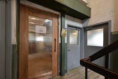 コワーキングスペースの入り口。入居者さんも使えます。(2016-07-04,共用部,OTHER,2F)