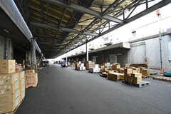 シェアハウスは市場の中に建っています。(2016-07-04,共用部,ENVIRONMENT,1F)
