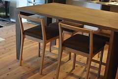 家具は京北町で作られたオリジナル。(2015-03-17,共用部,LIVINGROOM,1F)