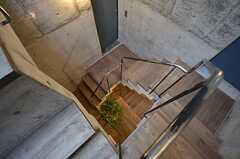 階段を見下ろすとこんな感じ。(2015-03-17,共用部,OTHER,3F)