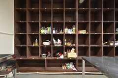 各部屋ごとに使用できる食料品棚。(2015-11-17,共用部,KITCHEN,1F)