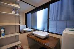 洗面台の様子。(2013-10-12,共用部,OTHER,1F)