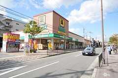 JR山陰線・丹波口駅からシェアハウスへ向かう道の様子。(2013-10-12,共用部,ENVIRONMENT,1F)