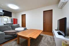 テーブルの天板は広げることができます。(2017-06-07,共用部,LIVINGROOM,1F)