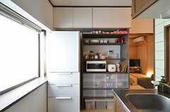 食器棚の様子。(2014-09-10,共用部,KITCHEN,2F)