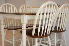 椅子は4脚用意されています。(2015-05-19,共用部,LIVINGROOM,1F)