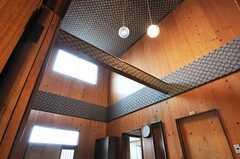 玄関は見事な吹き抜けになっています。(2011-04-23,周辺環境,ENTRANCE,1F)