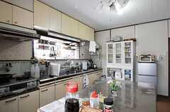 シェアハウスのキッチンの様子2。(2011-04-23,共用部,KITCHEN,1F)