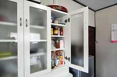 部屋ごとに分けられた食材などを置くスペース。(2011-04-23,共用部,KITCHEN,1F)