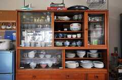 食器棚の様子。(2011-04-23,共用部,KITCHEN,1F)